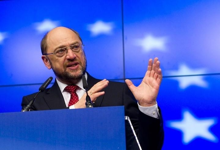 Σουλτς: Δεν επιθυμούμε την αποχώρηση της Ελλάδας από το ευρώ