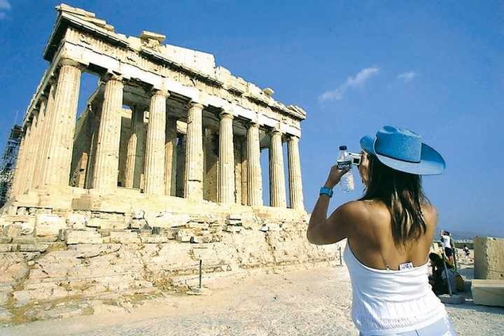 Περαιτέρω συνεργασία στον τουρισμό εξετάζουν Ελλάδα - Σερβία