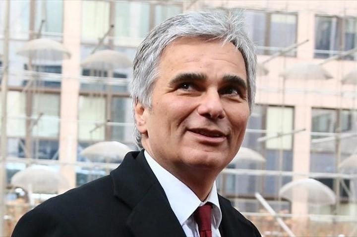 Β. Φάιμαν: Η Ελλάδα χρειάζεται μια έντιμη ευκαιρία