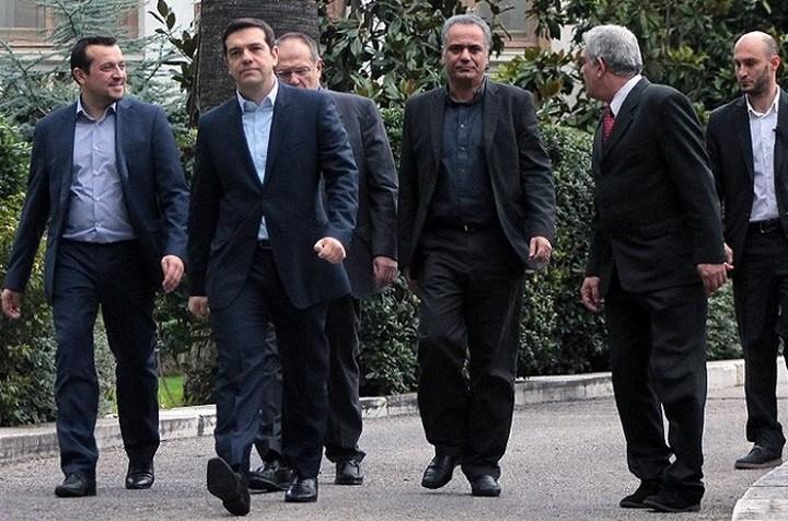 Αγώνας δρόμου της κυβέρνησης για να επιτύχει θετικό κλίμα έως το Eurogroup