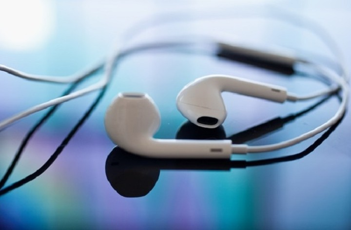 Οι «κρυφές» λειτουργίες των ακουστικών του iPhone