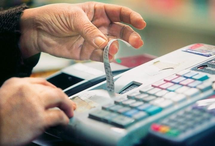 Πιθανές παρεμβάσεις στον ΦΠΑ που ισχύει σε νησιά και τουριστικές επιχειρήσεις