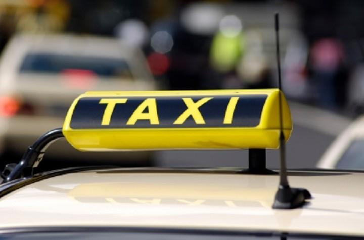 Ανοίγει ο δρόμος για τα πρώτα «πράσινα» ταξί (ΦΩΤΟ)