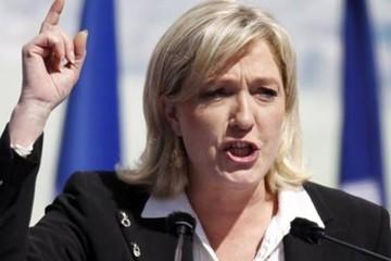 """Η Μαρίν Λεπέν κατηγορεί την νέα κυβέρνηση για """"προδοσία"""""""