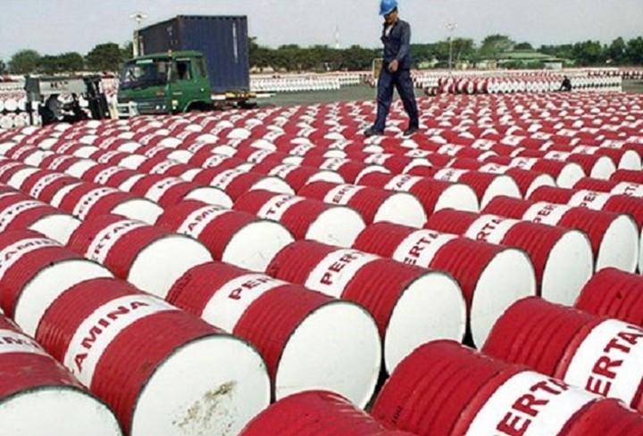Χάνει τα 62 δολάρια η τιμή του πετρελαίου μπρεντ