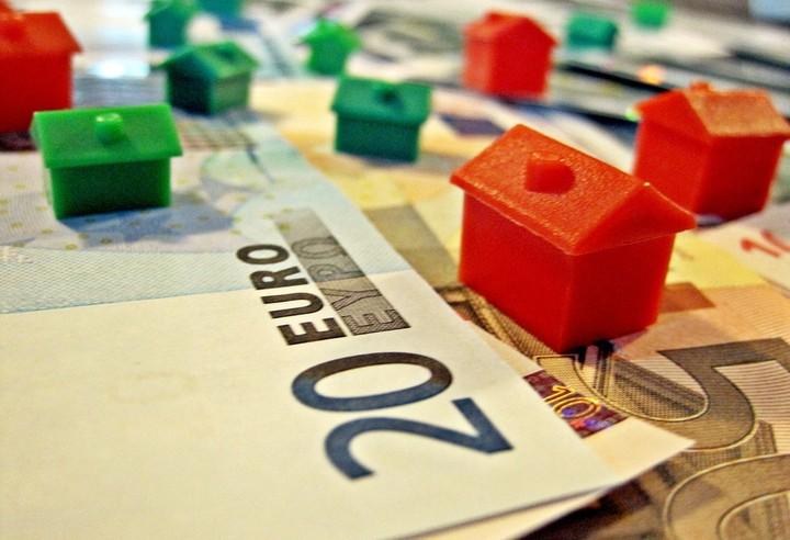 """Ρυθμίσεις κόκκινων δανείων με """"κριτήρια"""" ζητά η ΤτΕ"""