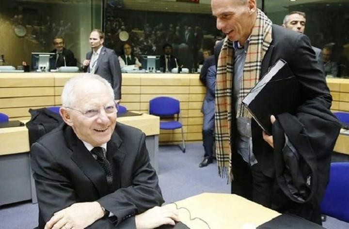 Το Βερολίνο διαψεύδει τον Βαρουφάκη: Καμία μυστική συνεννόηση στο Eurogroup