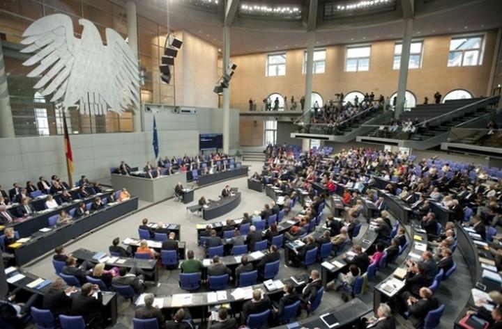Πόσοι Γερμανοί βουλευτές ψήφισαν υπέρ και πόσοι κατά της συμφωνίας- Πως το σχολιάζει η Bild