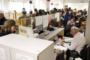 """Στρατούλης: Προσλήψεις στα ασφαλιστικά ταμεία για την αποφυγή """"ουρών"""""""