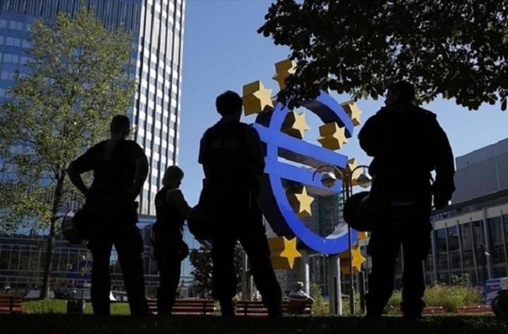 WSJ: Τι πρέπει να προσέξουμε στην αυριανή συνεδρίαση της ΕΚΤ