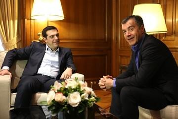 """Θεοδωράκης:Τα πράγματα είναι ανησυχητικά,πρέπει να ανακτήσουμε την εμπιστοσύνη των εταίρων"""""""