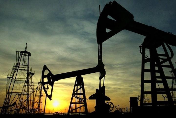 Πτώση στην τιμή του πετρελαίου μπρεντ