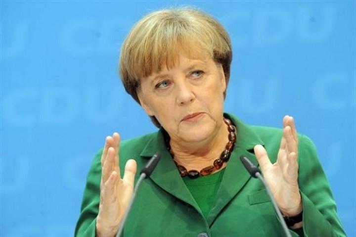 Μέρκελ:«Πολιτικός μας στόχος είναι η διατήρηση της Ελλάδας στην ευρωζώνη»