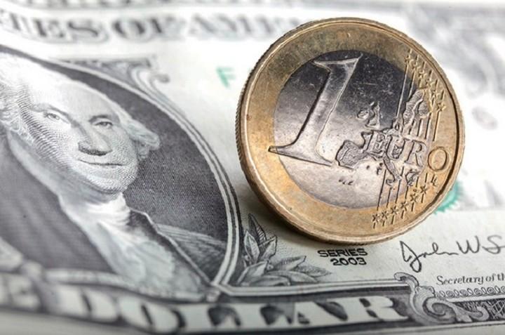 Ευρώ: Ολοταχώς στο ένα προς ένα με το δολάριο