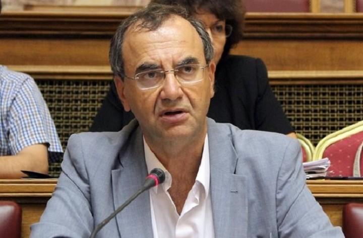 Στρατούλης: «Βαριές» οι πολιτικές ευθύνες για τη λεηλασία των αποθεματικών των Ταμείων