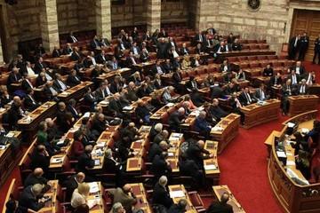 Τι λέει η αντιπολίτευση για τη συμφωνία του Αλ. Τσίπρα  με τον ΟΟΣΑ