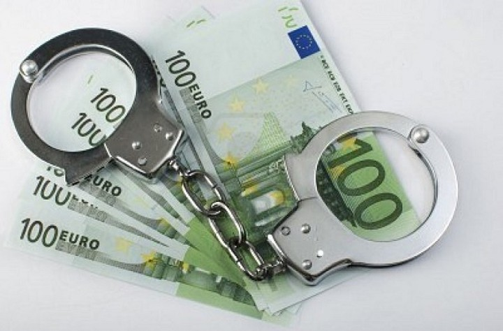 Τέλος οι διώξεις για οφειλές στο Δημόσιο έως 50.000 ευρώ