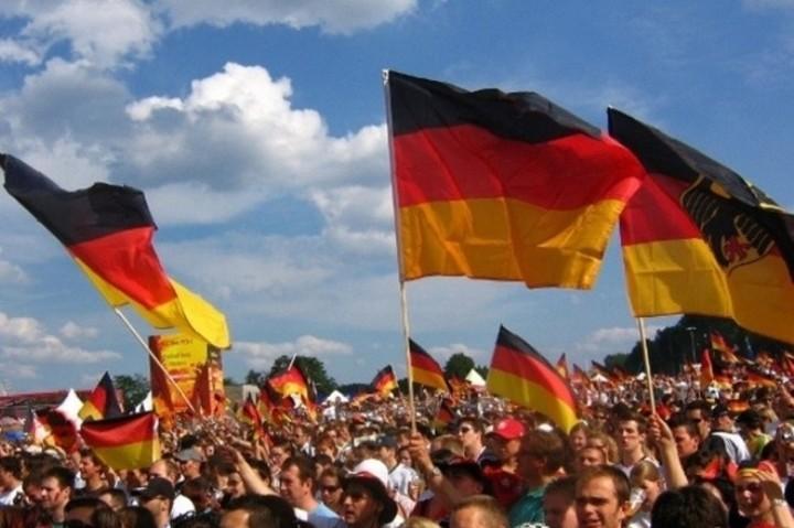 Η πλειοψηφία των Γερμανών θέλει την Ελλάδα εκτός ευρώ