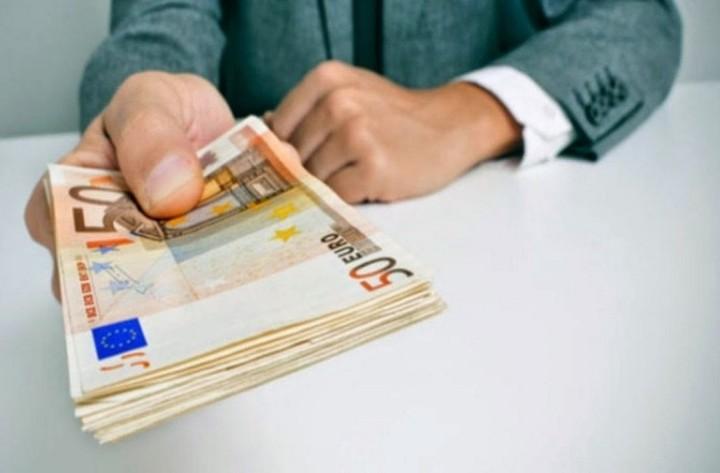 Στα 680 ευρώ ο κατώτατος μισθός από 1η Οκτωβρίου