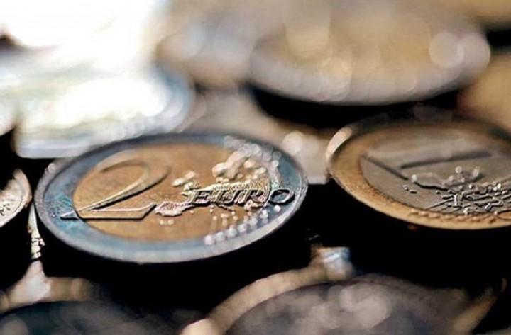 Σε νέα ιστορικά χαμηλά επίπεδα το ευρώ