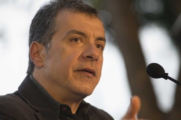 Θεοδωράκης:«Όσοι δεν χαίρονται για τη συνάντηση Τσίπρα-Μέρκελ θέλουν να τορπιλίσουν τις ελληνογερμανικές σχέσεις»