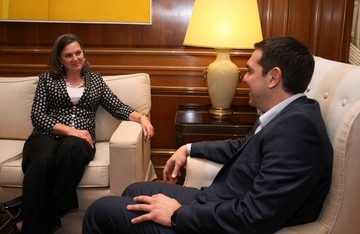 Χωρίς δηλώσεις ολοκληρώθηκε η συνάντηση του Αλέξη Τσίπρα με την βοηθό ΥΠΕΞ των ΗΠΑ