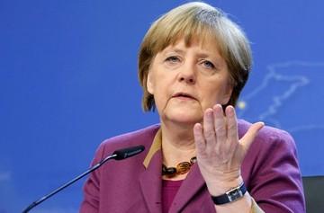 Μέρκελ: Η ελληνική κρίση δεν έχει ξεπεραστεί