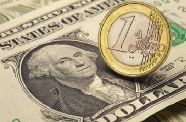 Με απώλειες σήμερα το ευρώ