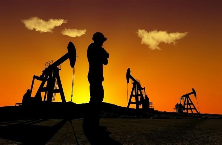 Νέα υποχώρηση της τιμής του πετρελαίου