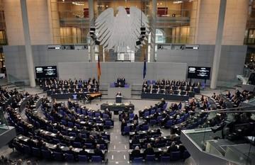 Η Bild ρωτά τους Γερμανούς βουλευτές αν θα συμφωνήσουν σε ένα τρίτο πακέτο βοήθειας για την Ελλάδα