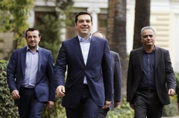 Times:«Ο Τσίπρας πυροδότησε μια πολιτική κρίση που κατέστρεψε την εμπιστοσύνη»
