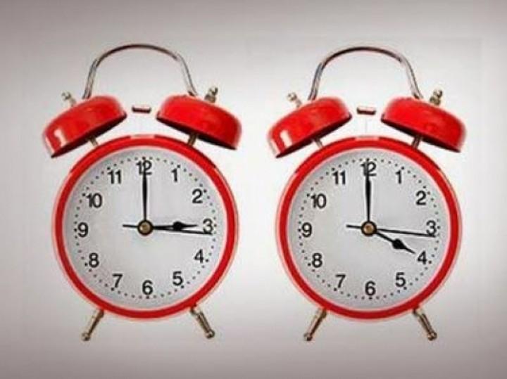 Γιατί πρέπει την Κυριακή να αλλάξουμε την ώρα – Η οικονομική διάσταση
