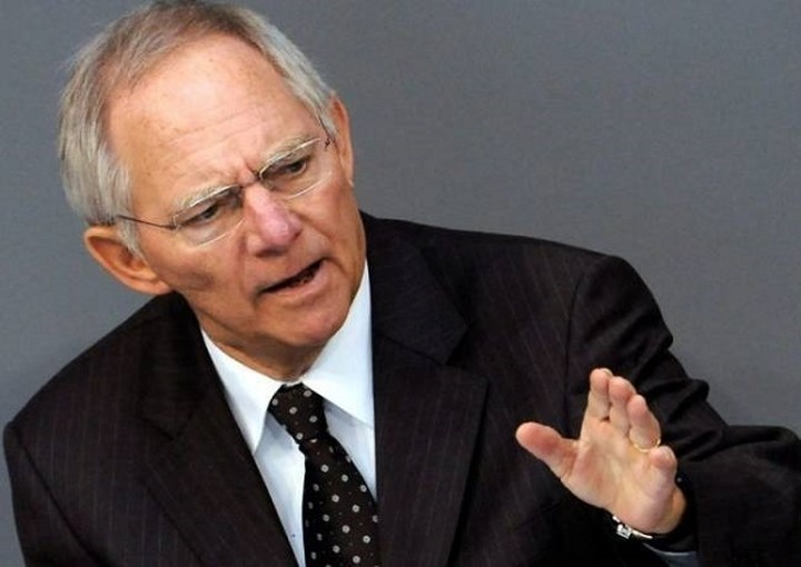 Σόιμπλε:«Η ευρωζώνη προχωρά στη σωστή κατεύθυνση»