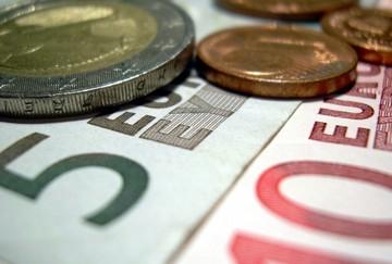 Reuters:«Εναλλακτικό νόμισμα παράλληλα με το ευρώ για την Ελλάδα»