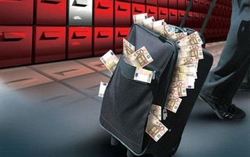 ΤτΕ: Πάνω από 90 δισ. ευρώ έχουν «κάνει φτερά» από τις ελληνικές τράπεζες από το 2010