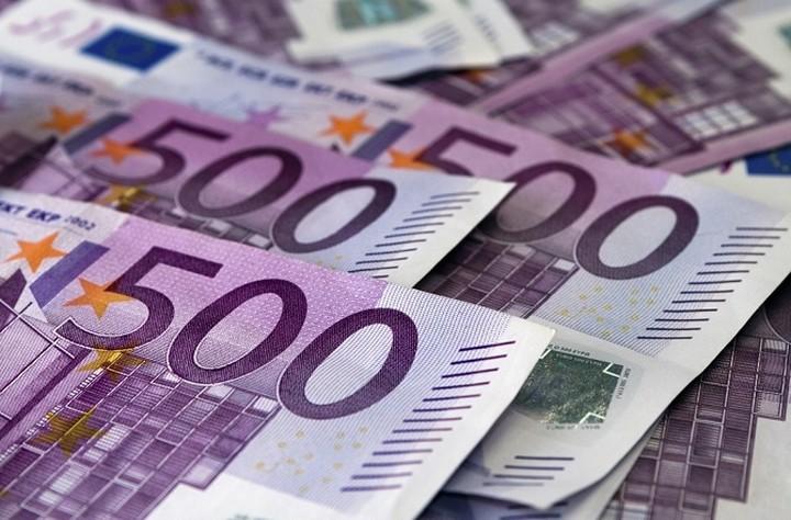 """Οι ξένοι επενδυτικοί κολοσσοί που """"παίζουν"""" Ελλάδα"""