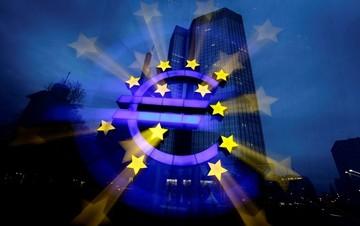 Το «πιστόλι» της ΕΚΤ στον «κρόταφο» της Αθήνας