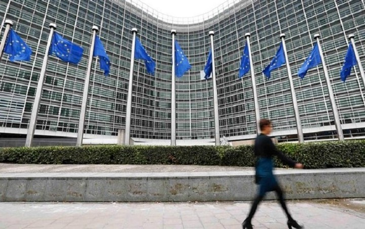 Πώς σχολιάζουν τα διεθνή ΜΜΕ τις κρίσιμες διαπραγματεύσεις στις Βρυξέλλες