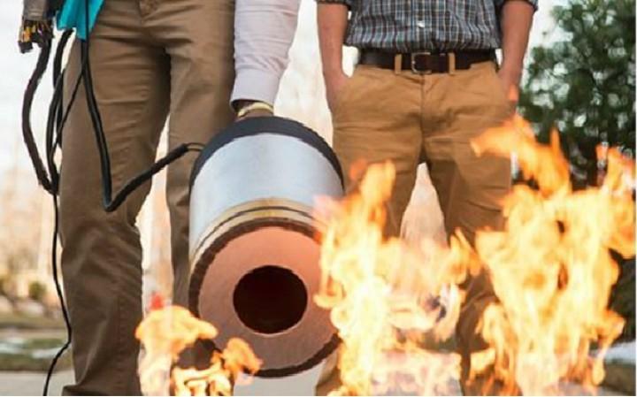 Απίστευτο: Πυροσβεστήρας σβήνει φωτιές με...ήχο! (VIDEO)