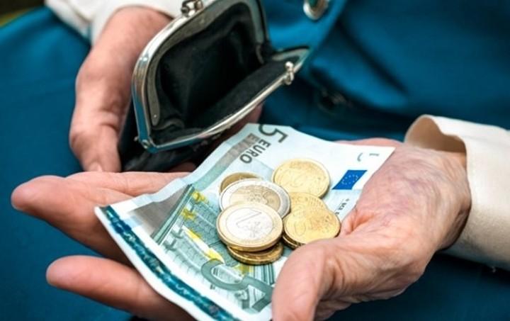 Economist: Το «αγκάθι» στις διαπραγματεύσεις Ελλάδας - ΕΕ είναι οι συντάξεις