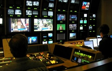 Τι λένε κυβερνητικές πηγές για τα 40 εκατ. που πρέπει να καταβάλουν τα εθνικά κανάλια