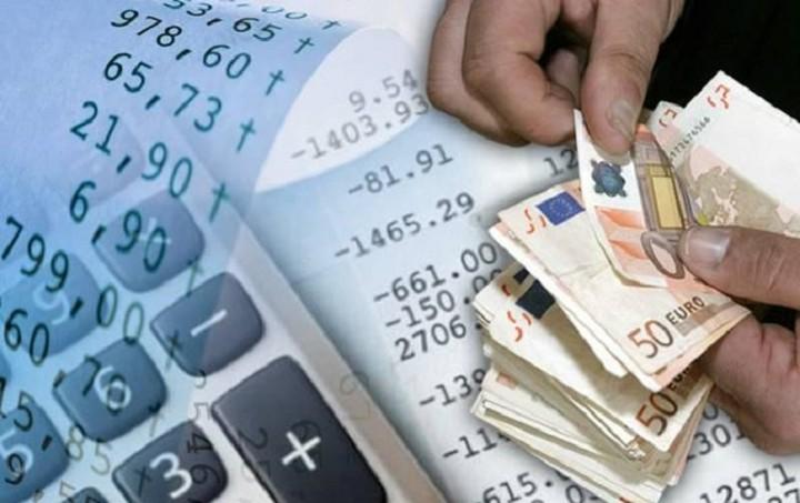 Οι 8 φορολογικές αλλαγές για αγρότες, μισθωτούς και «μπλοκάκια»