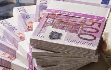 «Βόμβα» Bloomberg: Ακόμη και αν η Ελλάδα πληρώσει το ΔΝΤ, δεν σώζεται