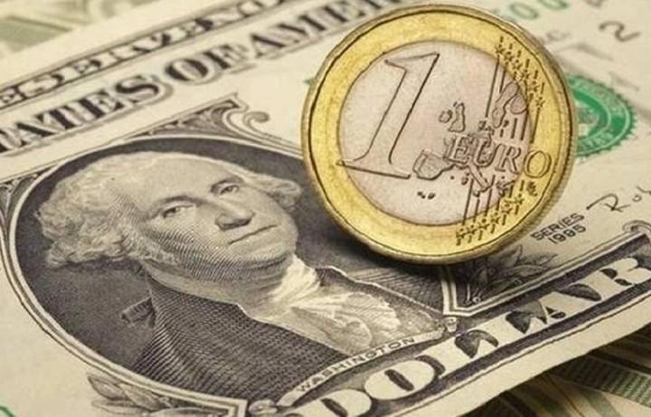 Με απώλειες σήμερα το ευρώ έναντι του δολαρίου