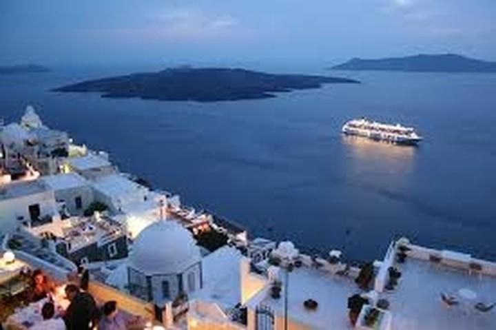 Γιατί θα πρέπει να αγοράσετε ένα εξοχικό σπίτι στην Ελλάδα (έρευνα)