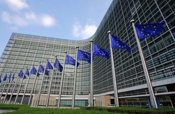 Κομισιόν: Η Ελλάδα είναι μέλος της ευρωπαϊκής οικογένειας και πρέπει να διατήρησει την ενότητα της ΕΕ