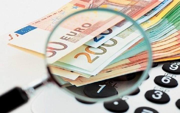 Τι ετοιμάζει η κυβέρνηση για συναλλαγές, αποδείξεις και αφορολόγητο
