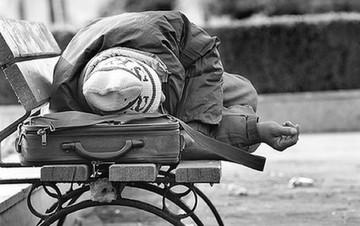 Washington Post: Σκηνές φτώχιας του 1980 στην Ελλάδα