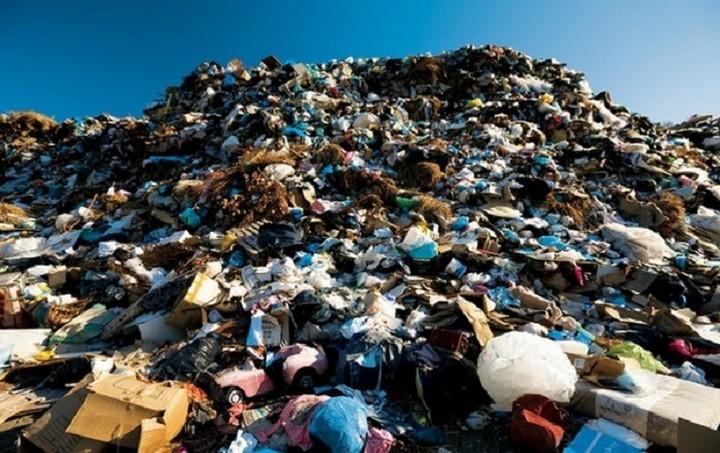 Ο ιδιώτης που αναλαμβάνει τα σκουπίδια της Πελοποννήσου