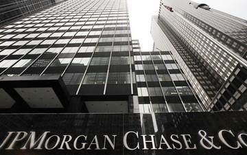 JPMorgan: Η Ελλάδα δεν πρόκειται να κηρύξει στάση πληρωμών